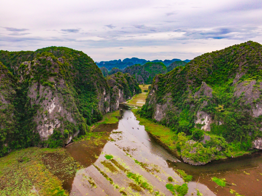 Ultimate Guide to a Tam Coc Boat Tour in Ninh Binh, Vietnam: The Halong Bay on Land